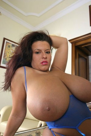 Gallery huge tits Tranny Pictures,
